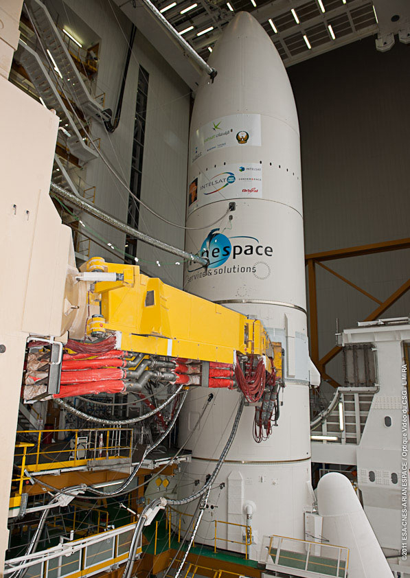 Aeroplans - Coiffe d'Ariane 5 vol 201 crédit Arianespace
